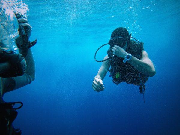 L'ordinateur de plongée, un équipement destiné à vous fournir des informations lorsuqe vous effectuez la plongée